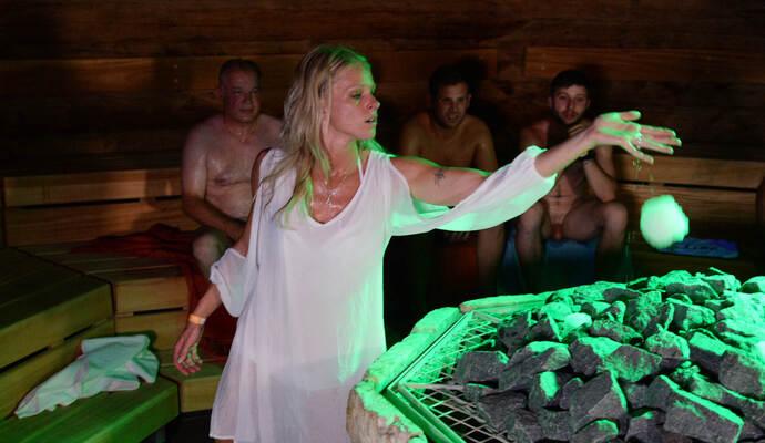 deutsche orgie in der sauna