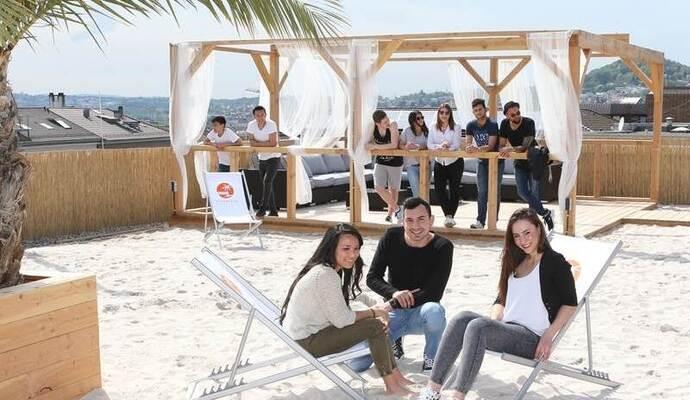 strandbar startet in den sommer public viewing w hrend der em nachrichten aus pforzheim bei. Black Bedroom Furniture Sets. Home Design Ideas
