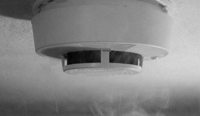 feuerwehr mehr eins tze wegen rauchmelderpflicht nachrichten aus baden w rttemberg aktuell. Black Bedroom Furniture Sets. Home Design Ideas