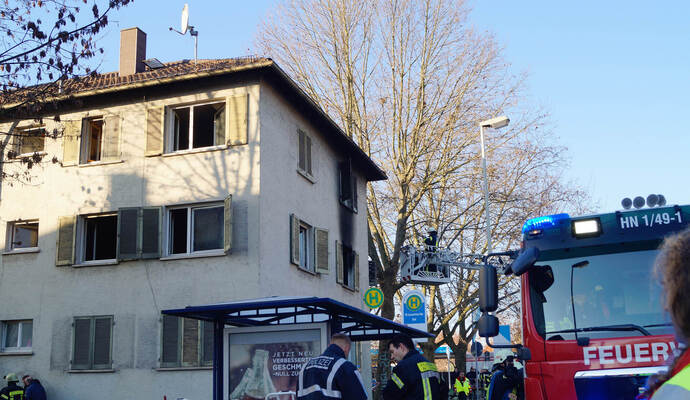 drei verletzte und euro schaden bei feuer in mehrfamilienhaus nachrichten aus baden. Black Bedroom Furniture Sets. Home Design Ideas
