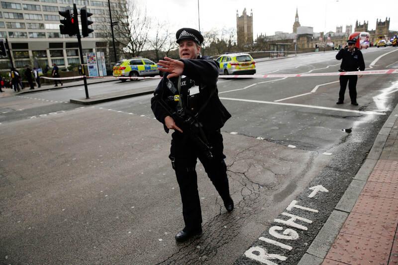 Terroranschlag Detail: Terroranschlag Vor Dem Parlament In London
