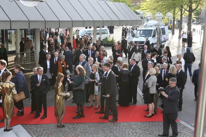 Goldstadt250Gala im CCP Besucher auf dem roten Teppich