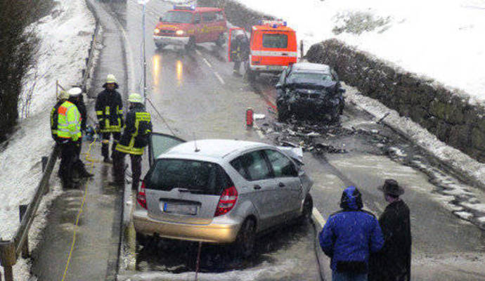 Tödlicher Unfall Auf B294 87 Jähriger In Gegenverkehr Nachrichten