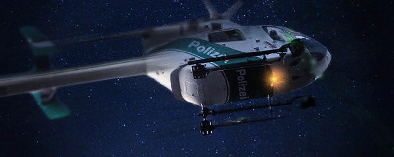 Hubschrauber Kreist Nachts über Berlin