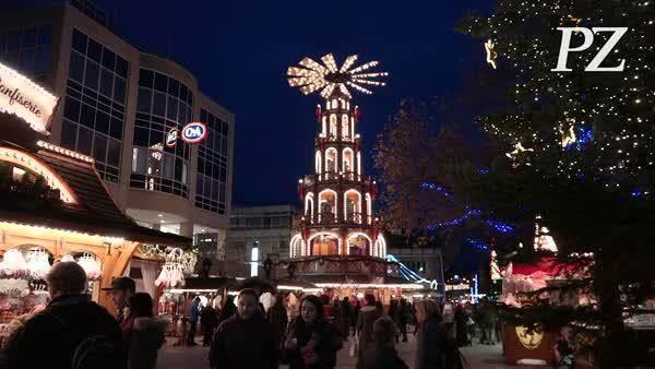 Pforzheimer Weihnachtsmarkt.Goldener Pforzheimer Weihnachtsmarkt Eröffnet Videos Pforzheimer
