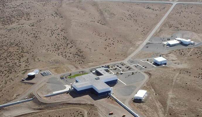Ein Luftbild des Ligo-Observatoriums (Laser Interferometer Gravitational-Wave Observatory) in Hanford, Washington. Foto: