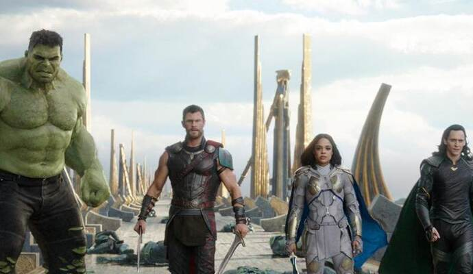 Hulk (l-r) Chris Hemsworth als Thor, Tessa Thompson als Valkyrie und Tom Hiddleston als Loki. Foto: Marvel Studios