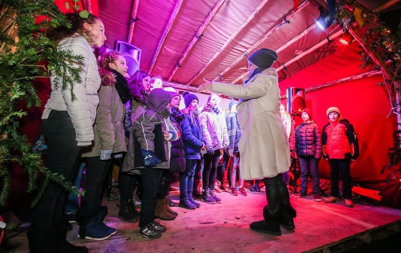 Weihnachtszauber In Der Goldstadt Foto Pforzheimer Zeitung