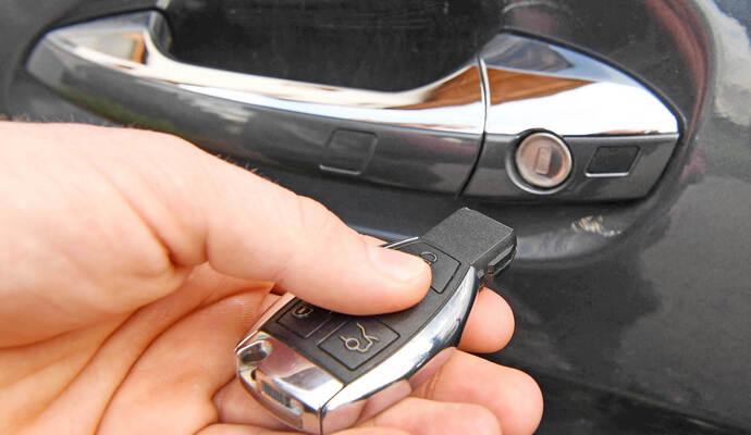 Klassische Stehlen keyless go system hilft autodieben audi q5 und mercedes sl zu