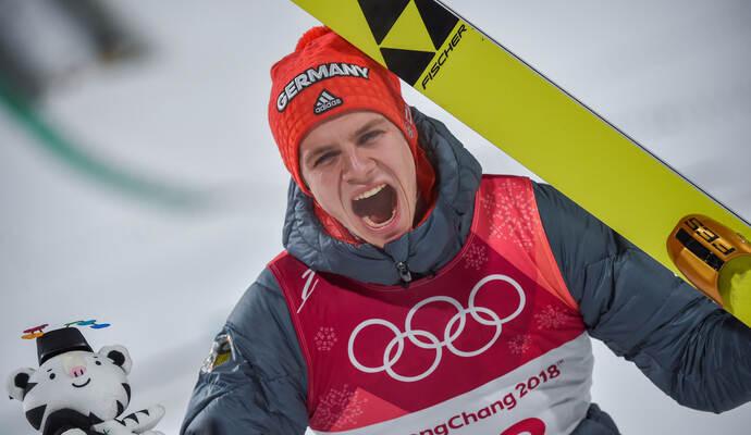 skispringer andreas wellinger fliegt von der normalschanze zu olympia gold sport in pforzheim. Black Bedroom Furniture Sets. Home Design Ideas