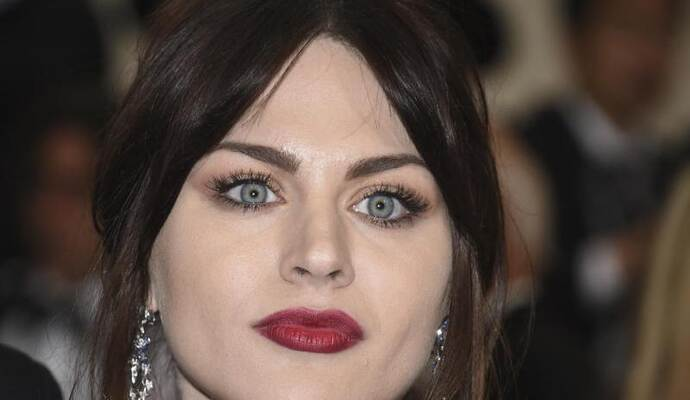 Frances Bean Cobain 2017 bei der Met Gala in New York. Foto: Evan Agostini