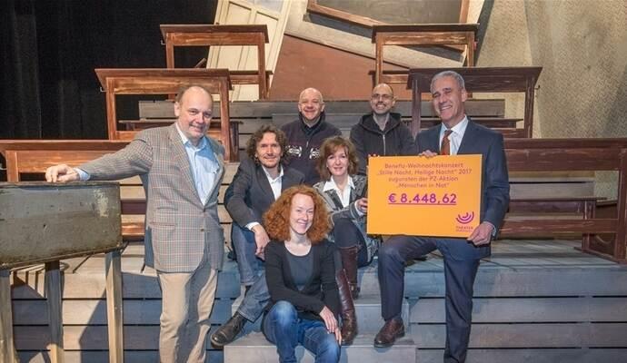 """Theater Pforzheim gibt 8448,62 Euro an """"Menschen in Not"""