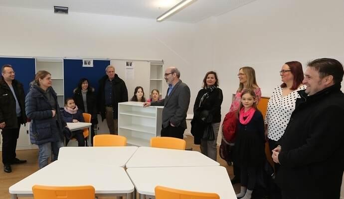 Schuleinweihung Landratsamt Untersagt Fest In Neuer Werkrealschule