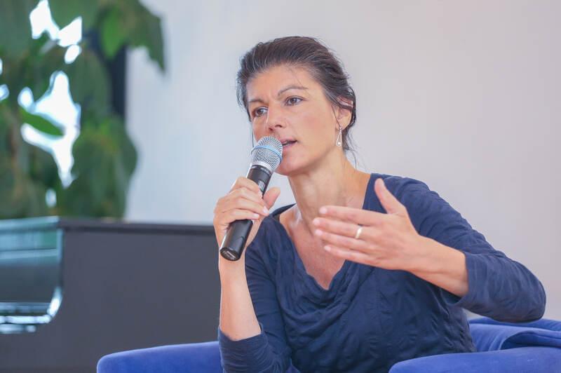 Sahra Wagenknecht Gallery: Sahra Wagenknecht Im PZ-Autorenforum