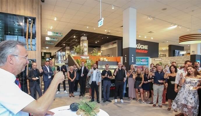 Hofmeister Eroffnet Kuchenfachmarkt Auf 2000 Quadratmetern