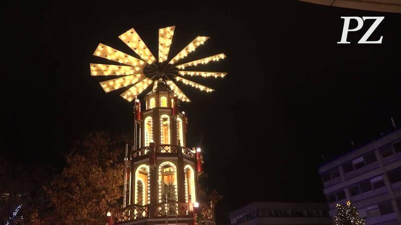Pforzheimer Weihnachtsmarkt.47 Goldener Pforzheimer Weihnachtsmarkt Eröffnet Videos