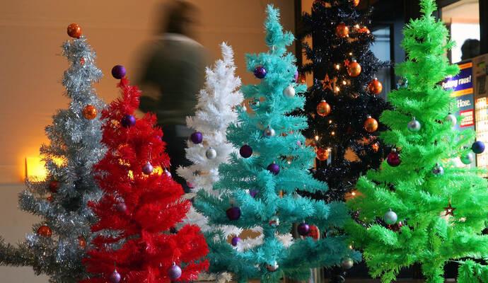 Weihnachtsbaum Kaufen Pforzheim.Echt Jetzt Ein Weihnachtsbaum Aus Plastik Service Pforzheimer