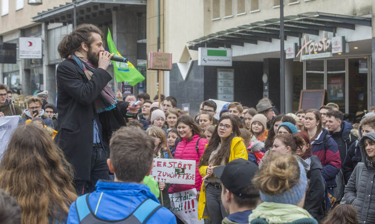 Schülerdemo Fridays for Future 73
