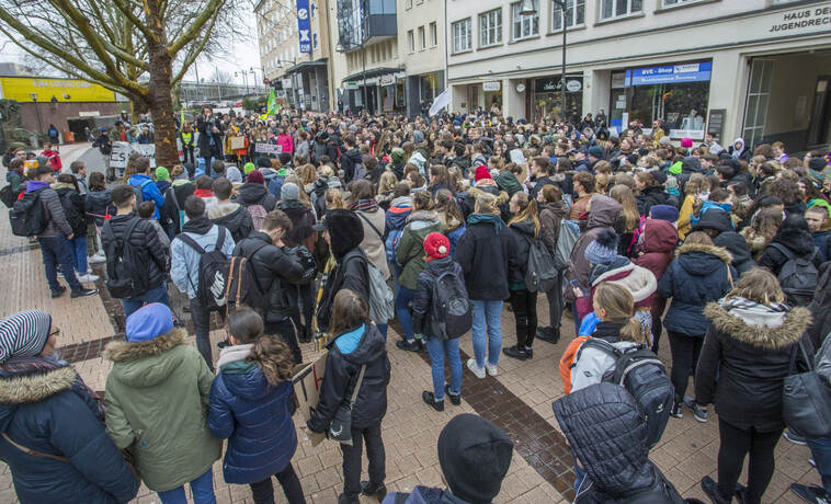 Schülerdemo Fridays for Future 75