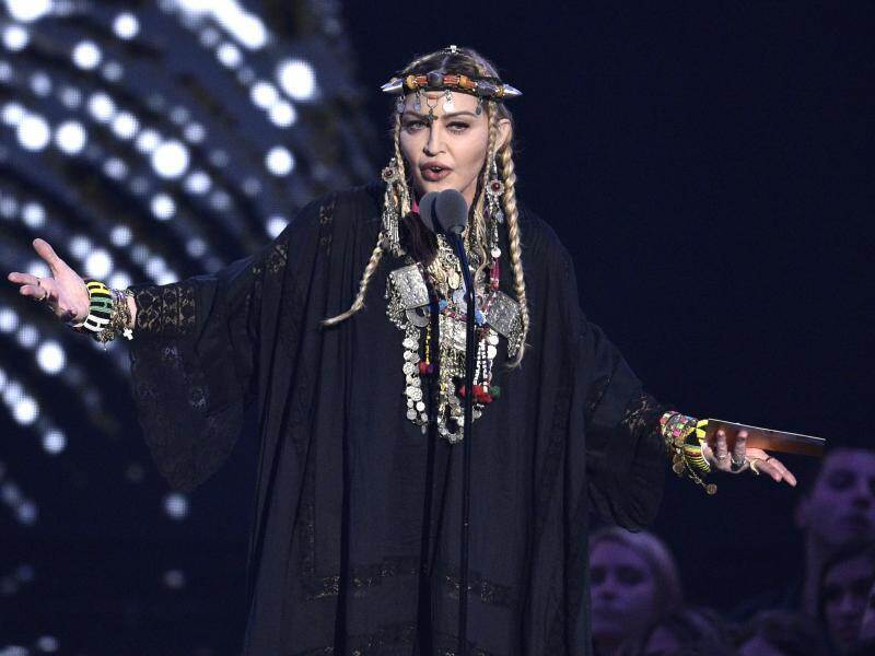 US-Sängerin Madonna gab bei den MTV Video Music Awards eine Hommage an Aretha Franklin. Foto: Chris Pizzello