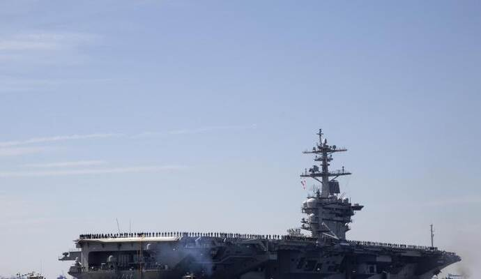 Der Flugzeugträger USS Abraham Lincoln in der Naval Station Norfolk. Foto: Kaitlin Mckeown/The Virginian-Pilot/AP
