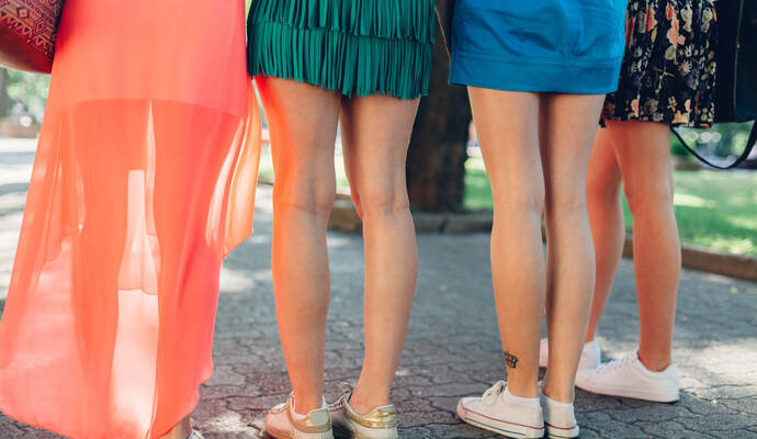 Wie kurz darf ein Minirock sein? Die Queen will es länger