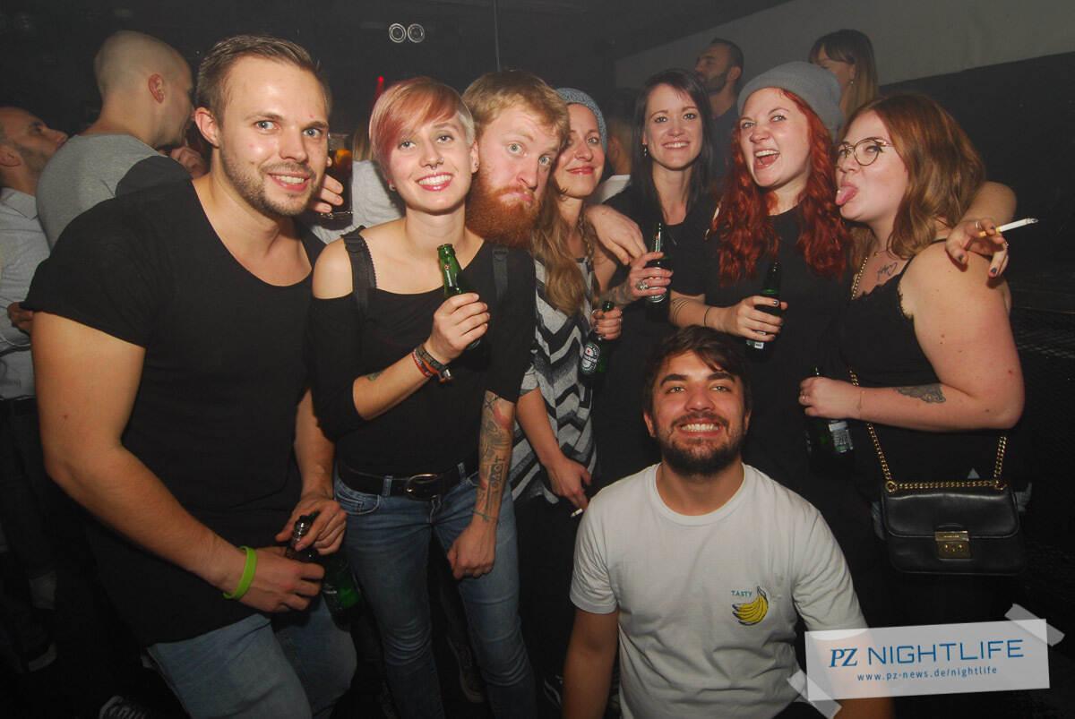 Single party kamen