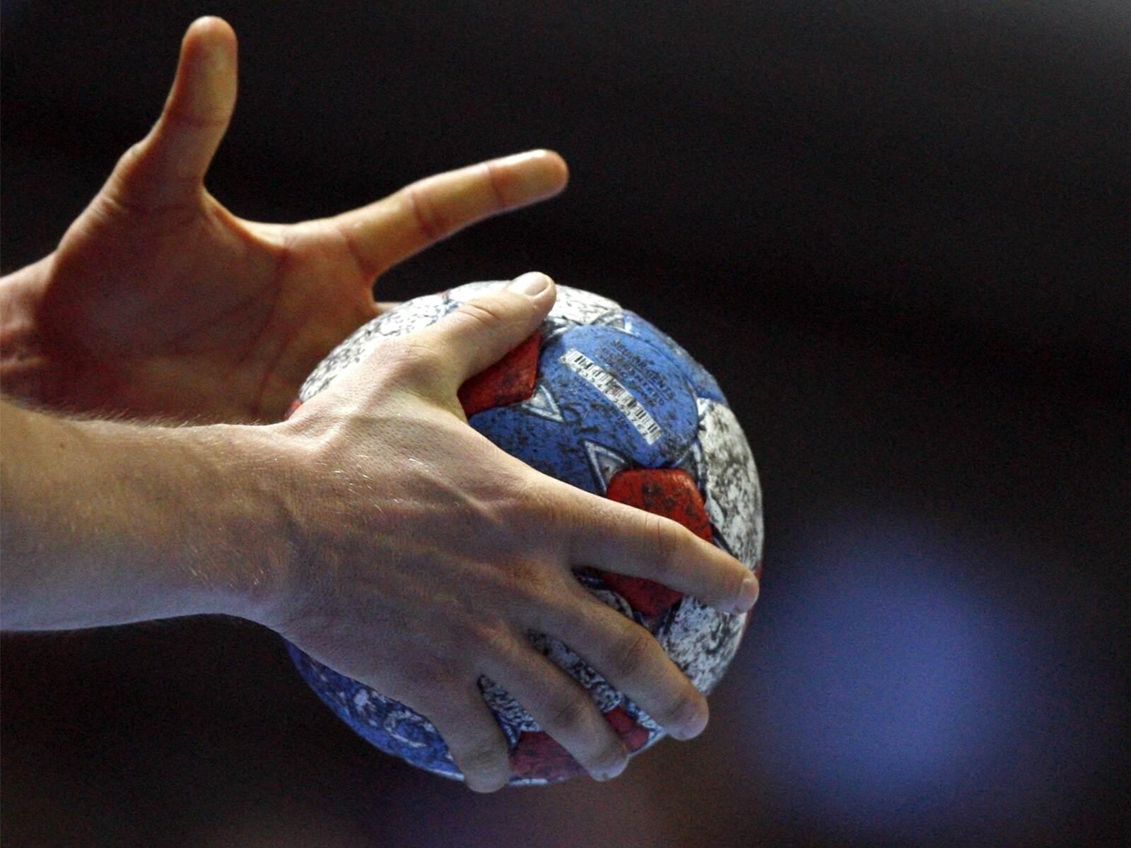 Nur knappe Resultate in den Handball-Bezirksligen - Sport - Pforzheimer-Zeitung - Pforzheimer Zeitung