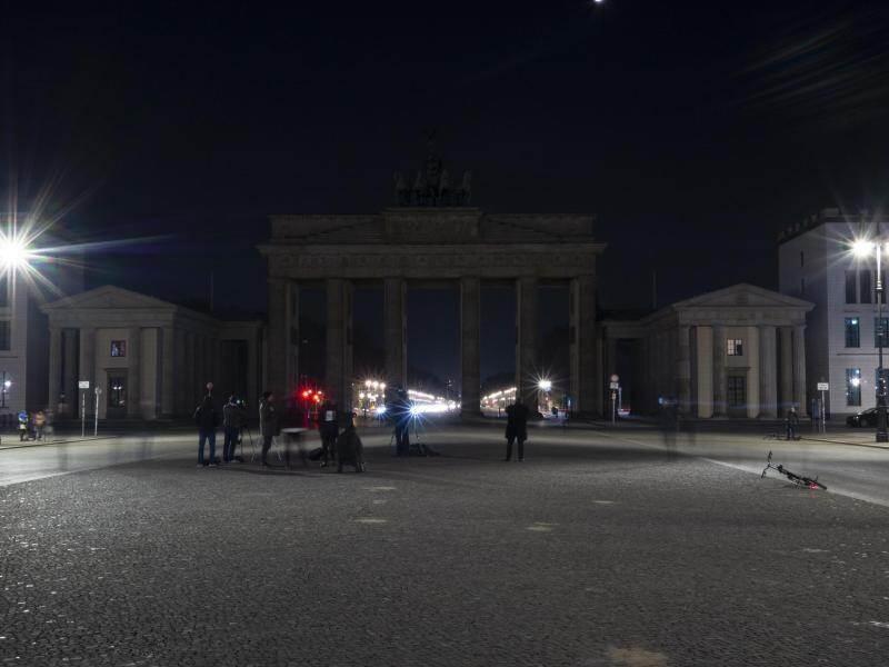 Licht Aus Fur Das Klima Earth Hour Trotz Corona Pandemie Deutschland Und Weltweit Pforzheimer Zeitung