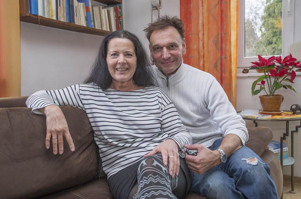 Die Fetzen Fliegen Nur Auf Der Buhne Schauspieler Heidrun Schweda Und Jens Peter Im Portrat Kultur Pforzheimer Zeitung