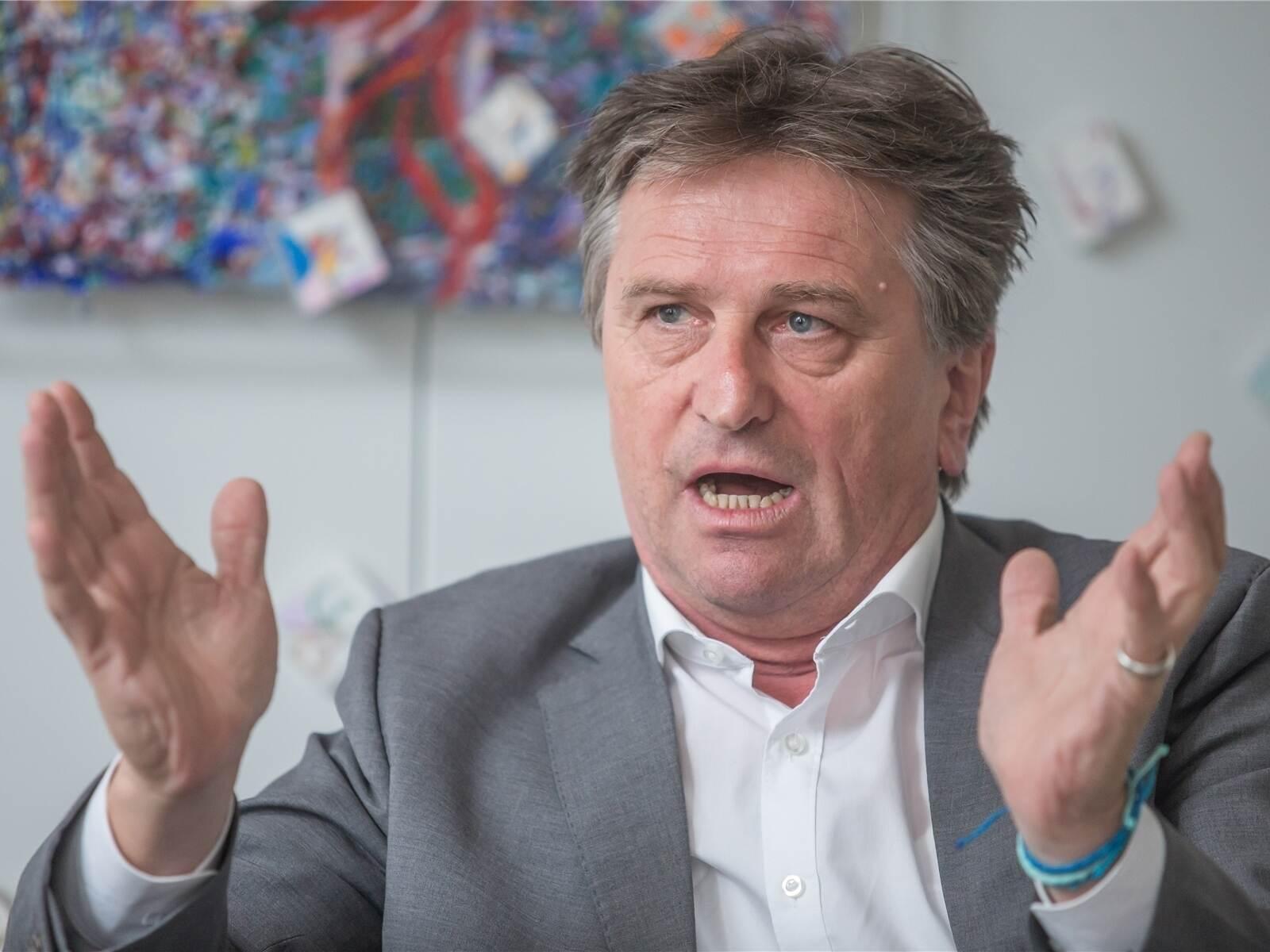 Lucha hält an Impfstrategie fest - Baden-Württemberg...