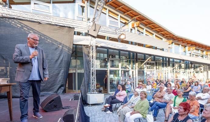 Konstantin Wecker startet Live-Programm der Kulturhalle Remchingen